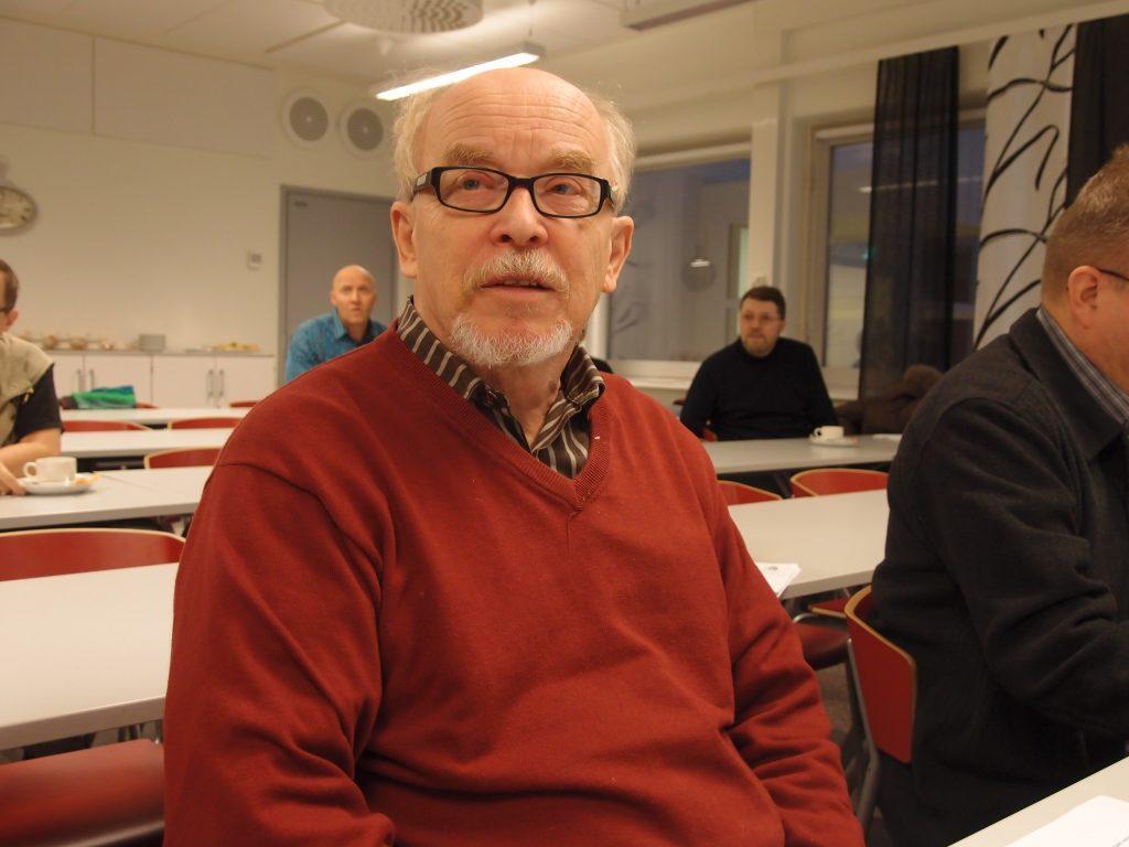 Dosentti Sakari Möttönen ruotii sotea uudessa julkaisussa